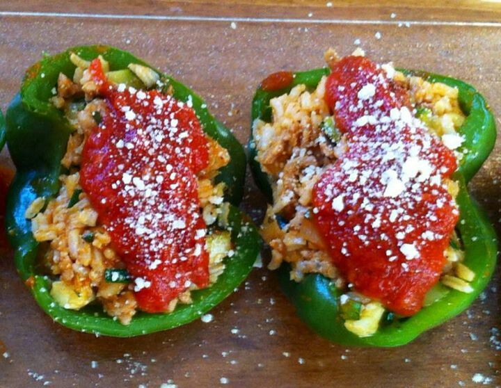 Stuffed peppers with zucchini & ground turkey