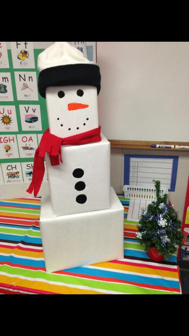 Box snowman for desk or larger one replace tree