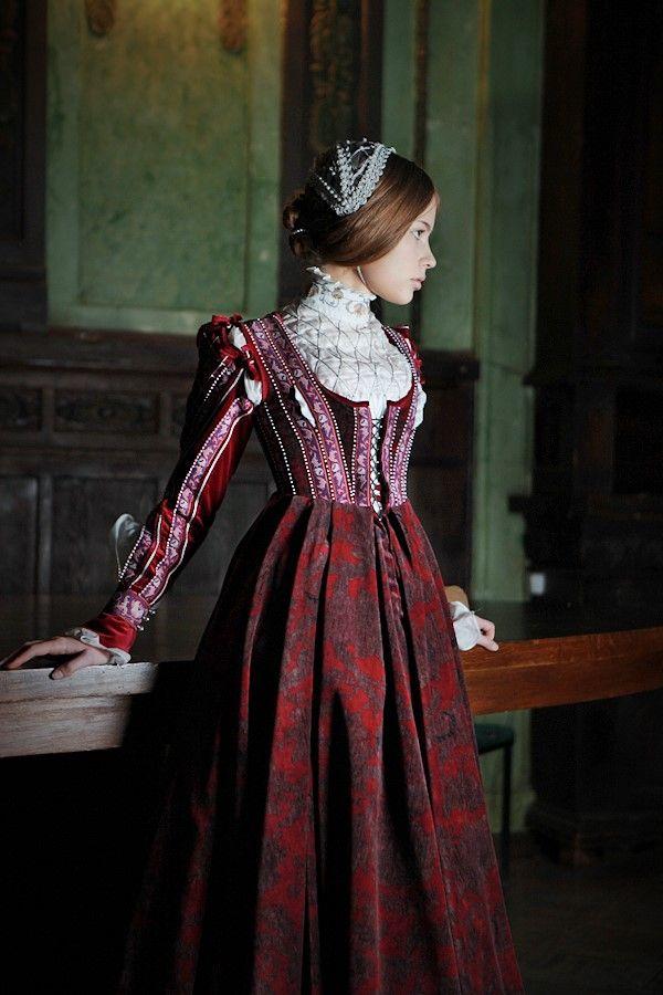 english renaissance dresses - photo #36