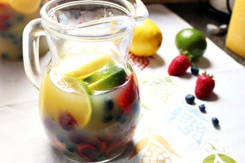 fruits white sangria with summer fruits recipes dishmaps white sangria ...