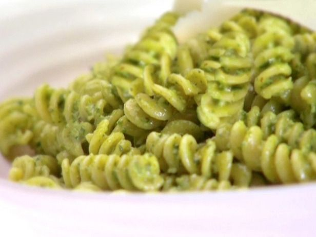 Fusilli with Spicy Pesto - Pesto is made with spinach, arugula, cheese ...