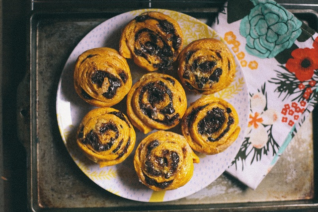 Pumpkin Chocolate Swirl Buns   The Baking Bird