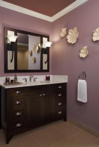 ooooh, nice vanity mirror with lights!!!