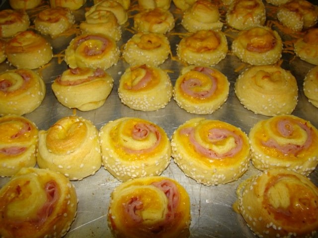 Ham and Cheese Crescents | Mmm Mmm Good | Pinterest