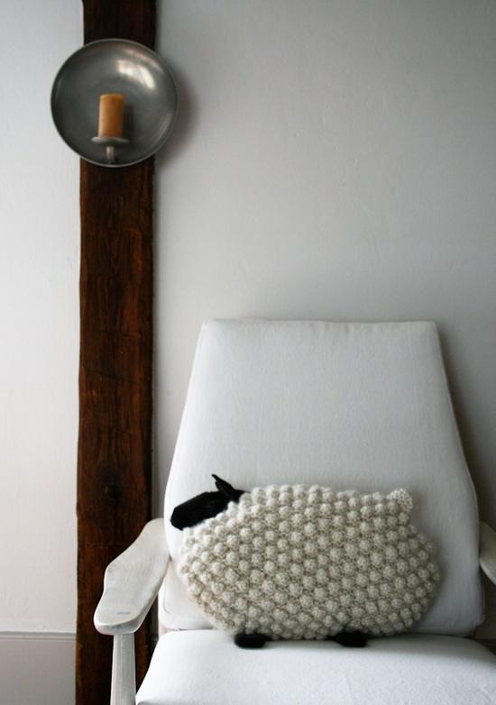 Mar vi blog arredamento low cost arredare con i cuscini for Arredamento low cost