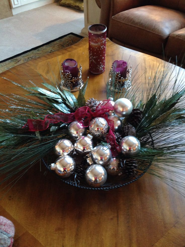 Christmas Coffee Table Decor Photograph T