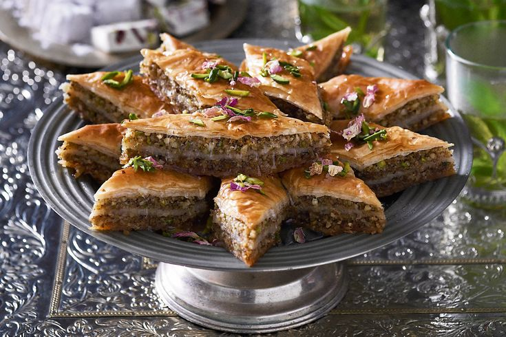 sauce caramelized pistachio walnut and almond tart baklava baklava ...