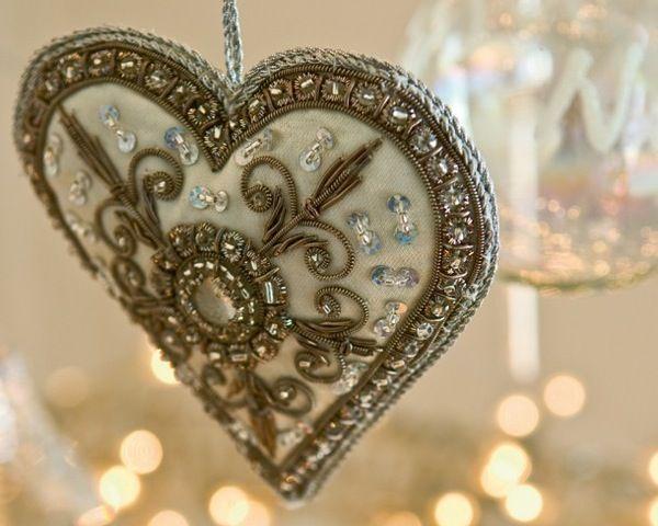 heart fleur de lis