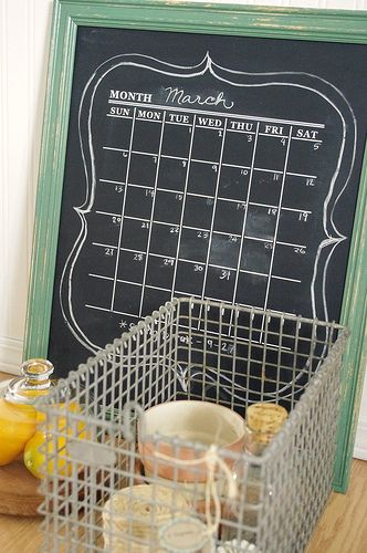 chalkboard calendar  athomeinteriors.blogspot.com