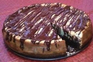 Yummy Brownie Chocolate Chip Cheesecake! | The Sweet LIfe | Pinterest