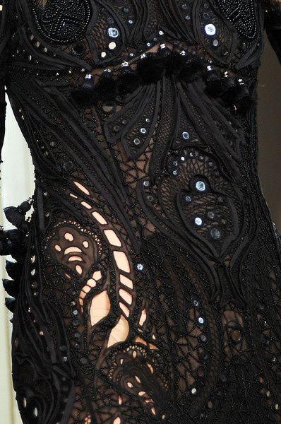 Style - Style Details - Fashion - Black