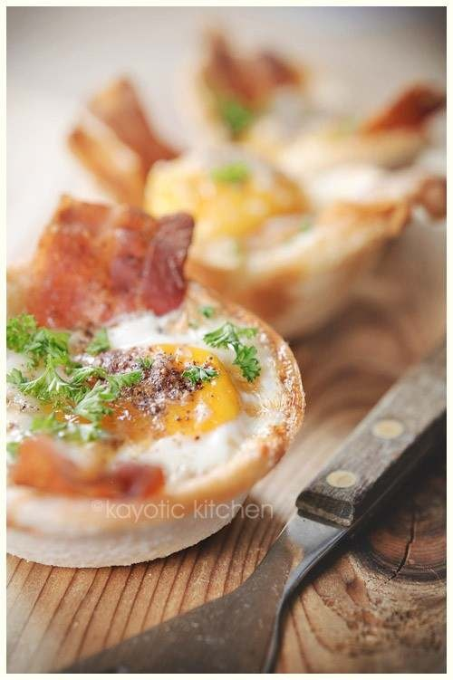 EGGS, BACON & TOAST CUPS | Foodie | Pinterest