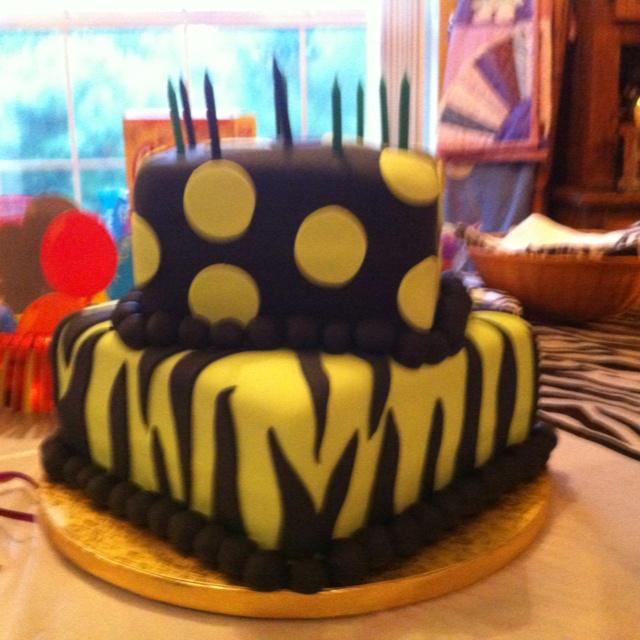 Cake :) yumm