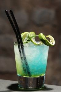 Blue Monday - looks like the beach! #cocktail #summer #blue #fancy