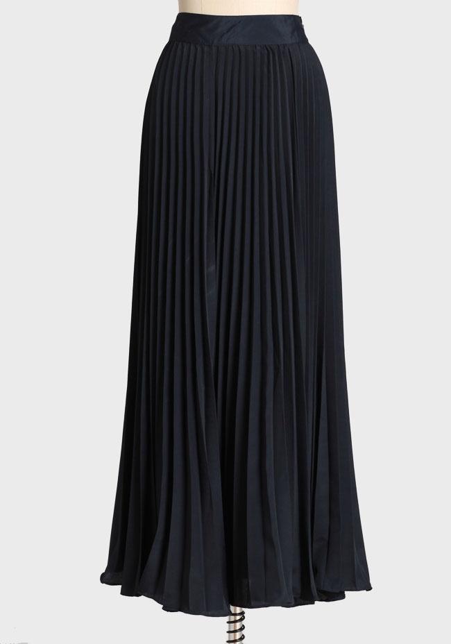 black pleated maxi skirt create an