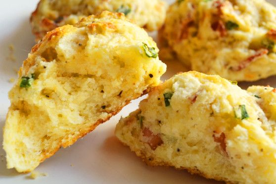 bacon cheddar biscuits | Baked goods to try | Pinterest