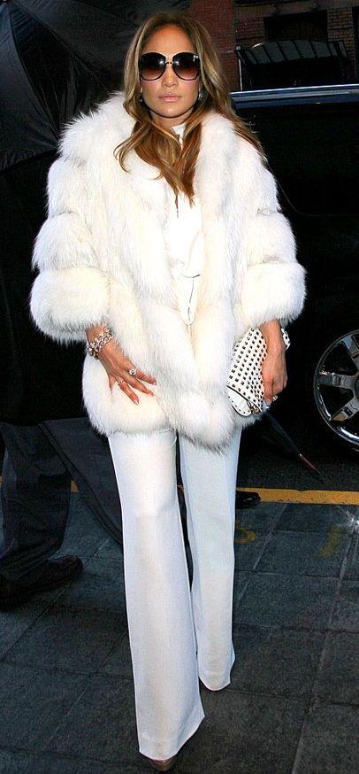 Jennifer Lopez in Glam Square-Framed Sunglasses