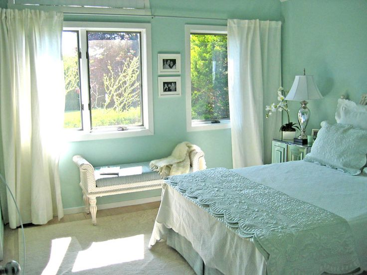 Palest blue and sea mist green home decoration for Sea green bedroom designs