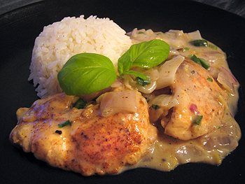 Basil chicken in coconut curry sauce | dinner | Pinterest