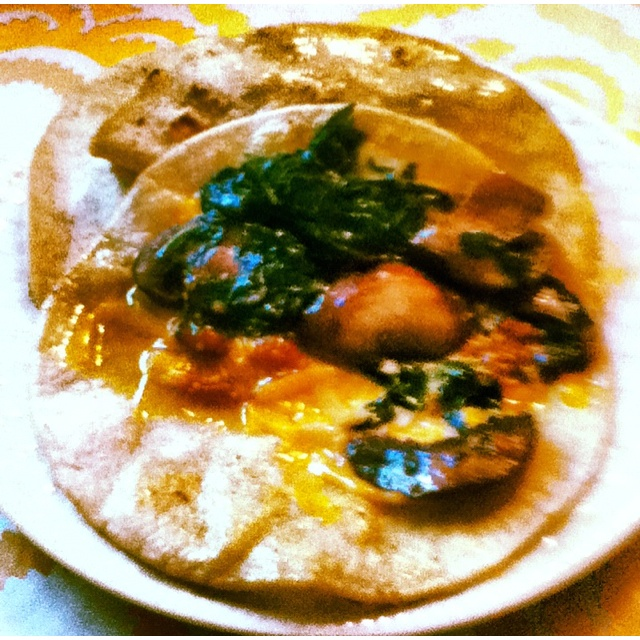 Quesadilla with sautéed mushrooms, spinach & garlic!