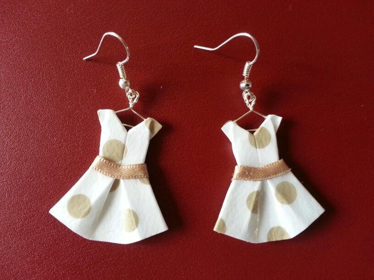 Boucles d 39 oreille robe en origami dans l 39 atelier de p tite pomme - Robe en origami ...