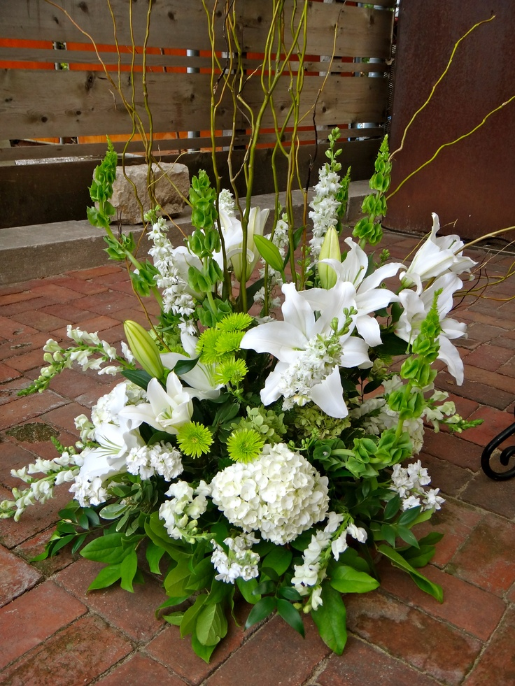 wedding flower arrangement wedding pinterest. Black Bedroom Furniture Sets. Home Design Ideas