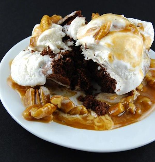 Irish Coffee Sundaes With Caramel Whiskey Sauce Recipe — Dishmaps