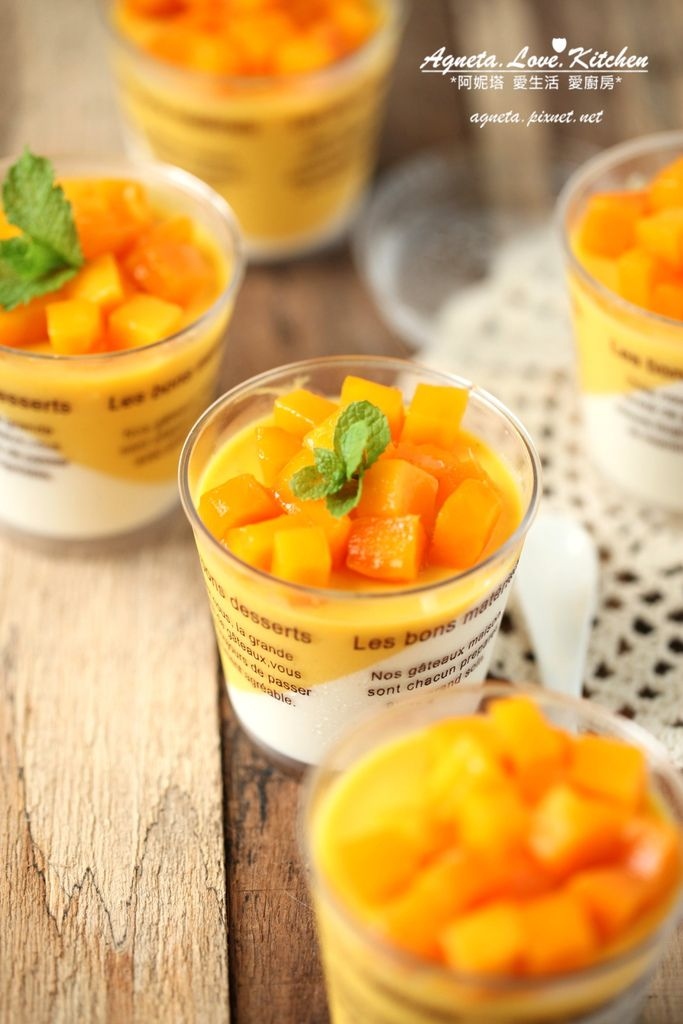 mango panna cotta   Eggs, Sugar & Milk :)   Pinterest