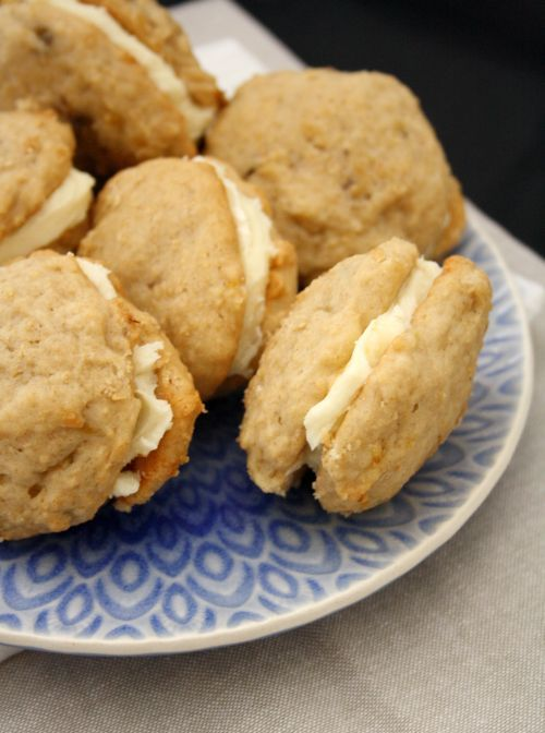 Banana Whoopie Pies by Medeja | recipes to try.. | Pinterest