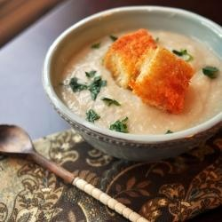 Creamy Cauliflower and Garlic Soup | Recipes | Pinterest