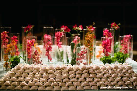 Casamento mesa bem casados