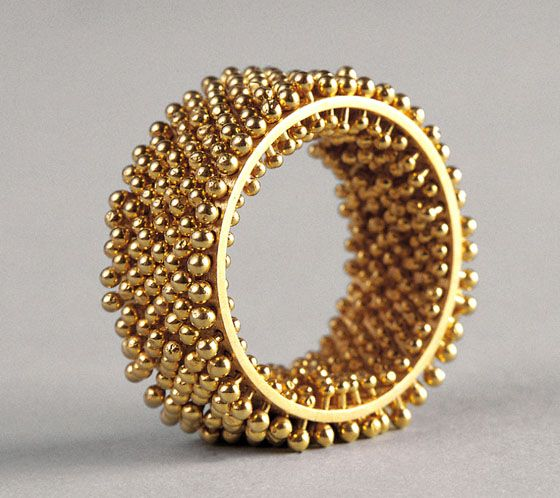 "Erik Urbschat - ""Hedgehog"" FlourishRing in 18ct yellow gold 2160£"