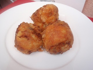 Yummy! Chicharron de pollo or Deep fried boneless chicken chunks!