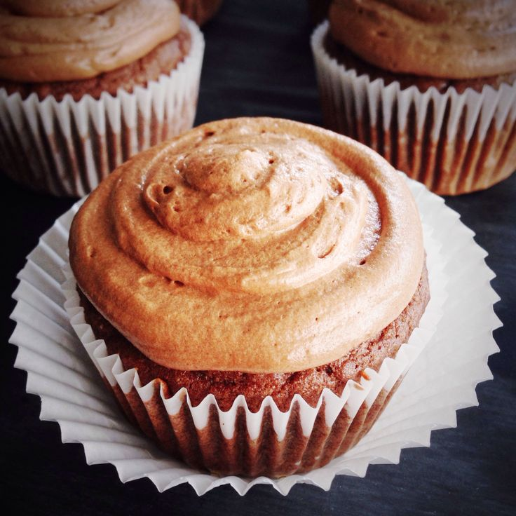 paleo Chocolate Cupcakes with Chocolate Buttercream Frosting