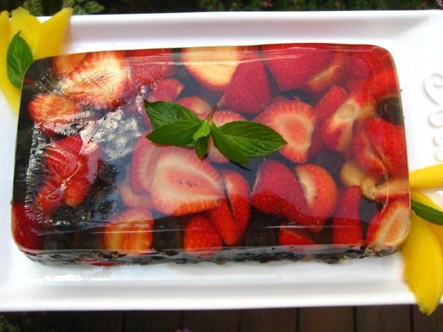 Summer Berry Terrine | gelée | Pinterest