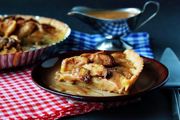 Apple Tart with Caramel Sauce by zoomyummy #Apple_Tart #Caramel # ...