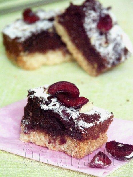 Cherry Chocolate Almond Bar | Indulge | Pinterest