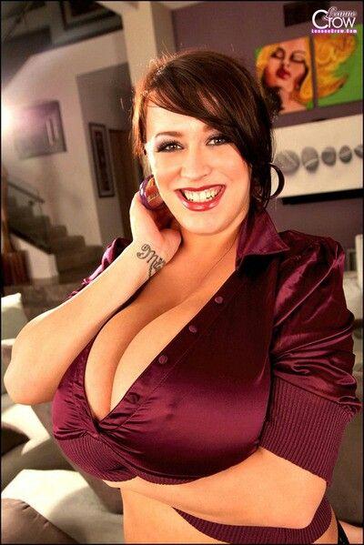 European boob model Leanne Crow letting big knockers loose on rooftop № 931989 загрузить