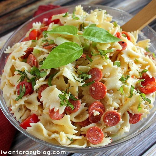 The BEST Pasta Salad EVER! Not soggy or drowned in mayo. FRESH ...