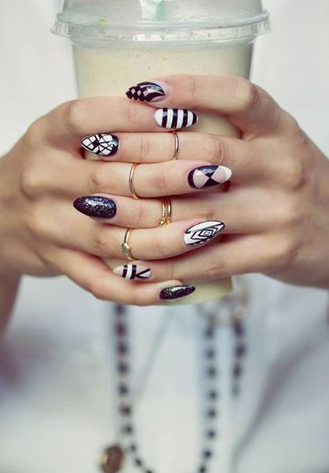 Amazing Nails, I am currently in LOVE with this nail shape!