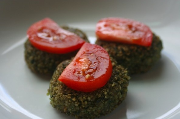 Delicious Recipe for Kale and Hazelnut Quinoa Cakes