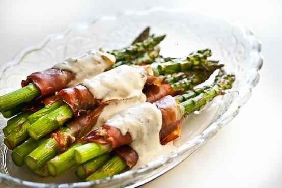 Crispy prosciutto wrapped asparagus | In A Pinch | Pinterest
