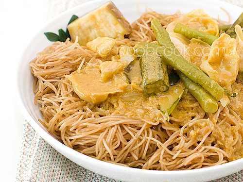 Fried Bee Hoon (Noodles) | Excellent Recipes 2 | Pinterest