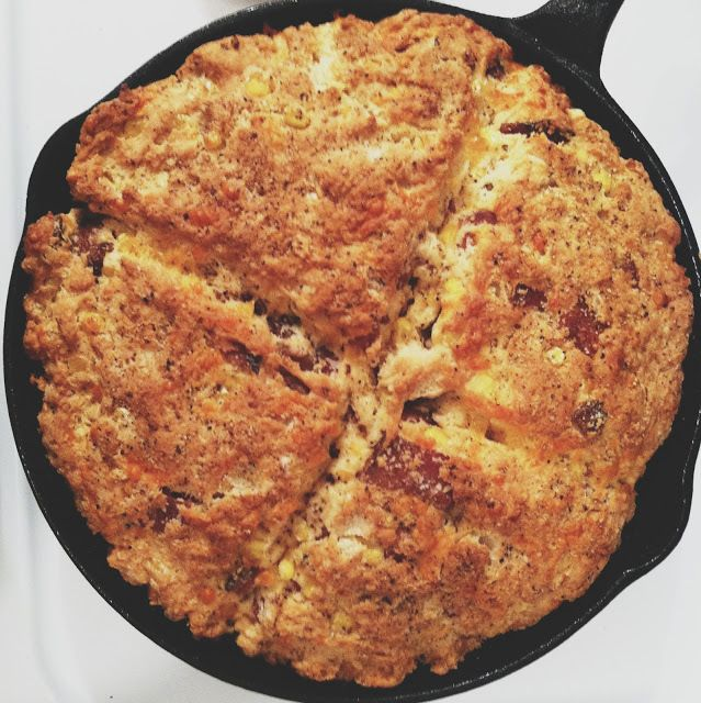 Bacon, Corn and Cheddar Skillet Bread   BACON makes EVERYTHING Better ...