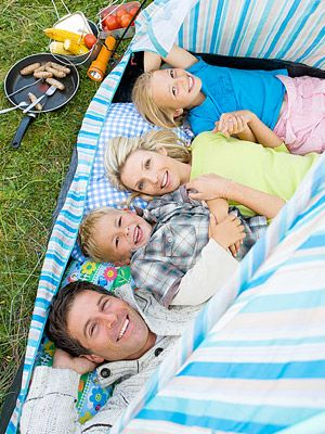 7 Ideas to go backyard camping!