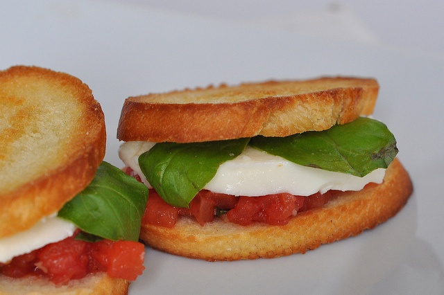 Tomato, Basil and Mozzarella Sandwich | Recipes for food and drinks ...