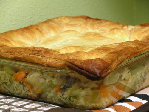 Chicken Pot Pie with Puff Pastry | Recipes to try | Pinterest