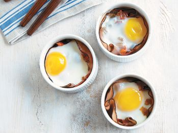 "Baked Eggs with Tomato and Bell Pepper Marmalade"" from Cookstr.com ..."