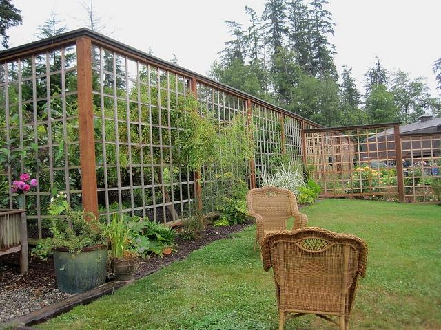 Fancy Backyard Fences : Fancy garden  Fences & Landscaping  Pinterest
