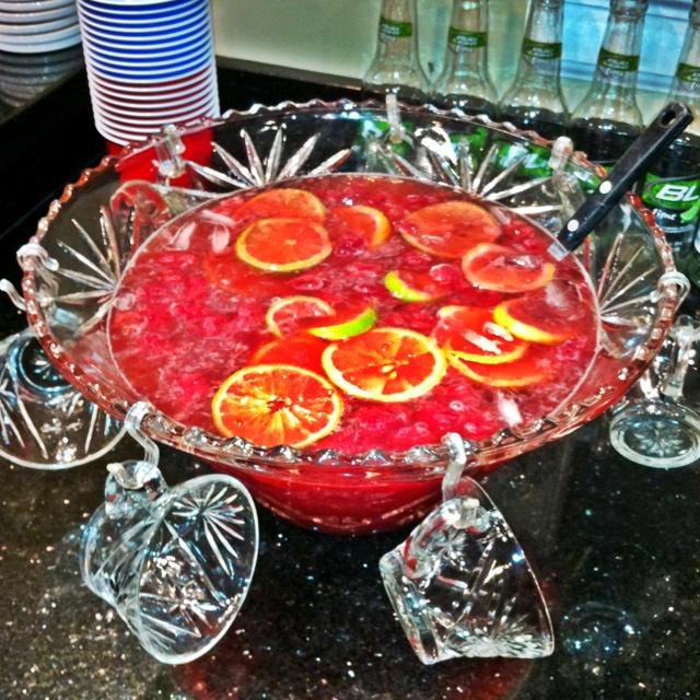 Bud light lime, vodka, raspberry sourpuss, 7-up, cranberry juice, frozen lemonade! Delish!!